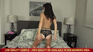 Alana Cruise Buttplug Beauty