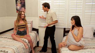 That Sitcom Show - Threesome Company - Lets Play Pretend