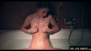 Dripping Wet Beauty Masturbates to Soapy Orgasms in the Bathtub