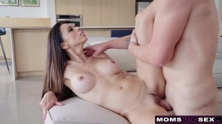 Moms Teach Sex - Let Her See You Naked, She'll Remember That Dick