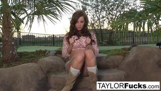 Taylor Vixen - Taylor Vixen Gets A Little Country