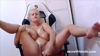 Secret Friends - Angel Wicky Live Oil Cum Show at SecretFriends