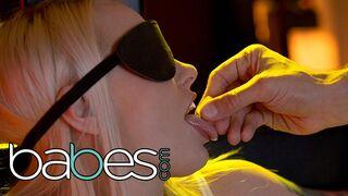 Babes - BABES - Kinky Blonde Lola Taylor tries Light Bondage