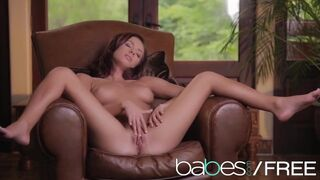 Babes - Perfect Teen Victoria Lynn Learns how to Orgasm