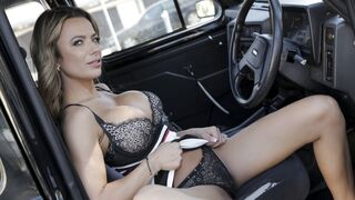 Female Fake Taxi - Give Me An Orgasm For A Discount
