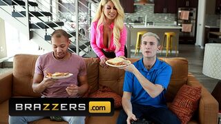 Brazzers - Sexy Busty Babe Bridgette B has a Double Penetration by two Big Cocks