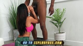 Azul Hermosa Prefers Fucking than doing Yoga with her Trainer Isiah Maxwell