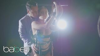 Babes - Sexy Dancer Alessandra Jane has an Amazing and Mesmerizing Body