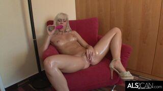 Stunning Blonde Masturbates Upside down in Chair