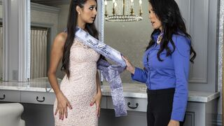 Mom Knows Best - Eliza Ibarra & Reagan Foxx in Teen Dream Pageant Queen