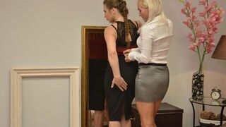 Two babes Kathy Anderson and Nicole Pearl are playing with pussies