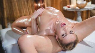 Massage Rooms - Young blonde lesbians hot wet sex