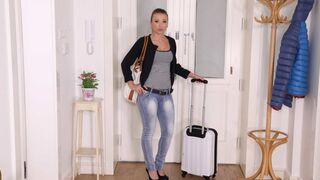Mikes Apartment - Sex-loving amateur chick Vera Wonder drilled hard in the doggy style pose