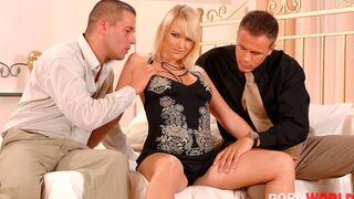 Porn World - Hot Blonde Chick gets Double Penetrated and Covered in Cum