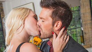 Porn World - Upper-Class Brit Blonde Bitch Victoria Summers Rides Ryan Ryder's Rod at Party
