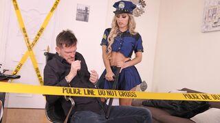DDF Network - Policewoman Mia Linz is getting analyzed twice from behind