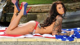 DDF Network - The hottest American babe Daniela demonstrates her naked curves