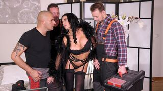 DDF Network - Amazing double penetration with a slutty brunette Veronica Avluv