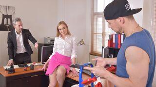 DDF Network - The sexiest secretary Liza Billberry is pleasing two horny men