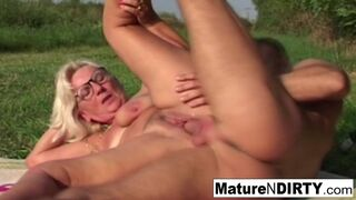 Mature N Dirty - Gorgeous Blonde Granny Takes a Shot to her Face