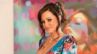 Your Mom Does Porn - Lisa Ann: Milf Slut Wants To Take Charge And Take Cock