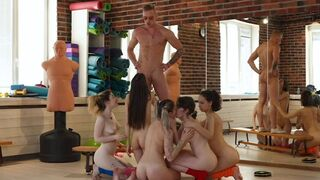 Club Sweethearts - 5 Babes, 1 Aerobics Instructor